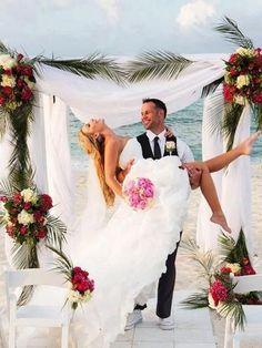 On Sale Popular Wedding Dresses High Low, White Wedding Dresses, Vintage Wedding Dresses Popular Wedding Dresses, Bridal Wedding Dresses, White Wedding Dresses, Wedding Bride, Ivory Wedding, Wedding Tips, Wedding Engagement, Wedding Ceremony, Wedding Dress Organza