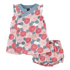 Any girl who lives for romping will adore this choice from Tea Collection's dresses for baby girls. Shop our baby girls clothes for floral winter favorites.