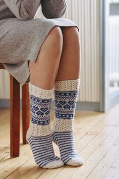 Crochet Socks, Knit Or Crochet, Knitting Socks, Wool Socks, My Socks, Knitting Patterns Free, Free Knitting, Sock Yarn, Bunt