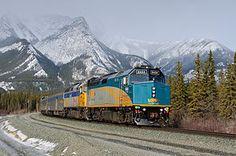 "miles from Vancouver to Toronto – Janet Podolak crosses Canada by train on VIA Rail's legendary ""Canadian"". Montreal, Vancouver, Banff, Rocky Mountains, Ottawa, Calgary, Ontario, Costa, Via Rail"