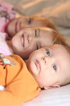 newborn w/ siblings photo