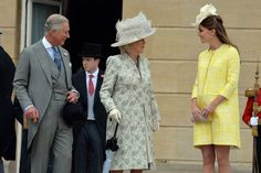 Kate Middleton live: Pregnant Duchess attends Queen's summer garden party at Buckingham Palace