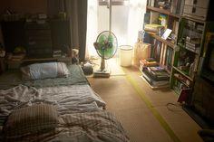 1980年代後半を舞台に描かれるラブストーリーの映画『イニシエーション・ラブ』。バブル最盛期の若者たちの暮らし。美術監督 相馬直樹 シネマドリ〜映画の世界のお部屋から、暮らしとインテリアに素敵なヒントを〜 My New Room, My Room, Interior Architecture, Interior Design, Japanese Interior, Aesthetic Bedroom, Fashion Room, Dream Bedroom, House Rooms