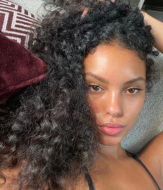 Glowy Skin, Flawless Skin, Pretty People, Beautiful People, Curly Hair Styles, Natural Hair Styles, Pretty Females, Black Is Beautiful, Hair Inspo