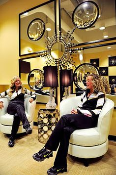 Inspired by MIZZOU's mascot (truman the tiger) and the school colors (gold + black) I.O. METRO provided the GOLDEN GIRLS with a top notch, girly-glam lounge and study area in their new University of Missouri Training Center.