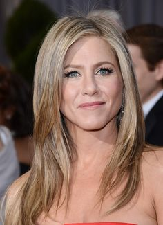 Jennifer Aniston Chops Her Hair Into Short Bob After Brazilian Blowout Snafu (PHOTO)