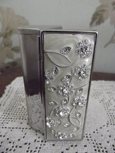mirror compact lipstick holder silver by DollyTopsyVintage Lipstick Tube, Lipstick Holder, Makeup Lipstick, Vintage Makeup, Vintage Beauty, Vintage Bags, Vintage Ladies, Makeup Items, Compact Mirror