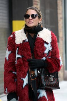 Helena Bordon outside for Donna Karan Runway NYFW FW2015 | © Clara Ungaretti  Outfit:  :: Coat from Tommy Hilfiger  :: Louis Vuitton Bag