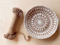 Macrame Supplies, Macrame Projects, Rope Crafts, Raffia Crafts, Macrame Patterns, Basket Weaving Patterns, Crochet Basket Pattern, Rope Basket, Macrame Design