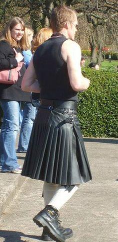 Leather kilt www.GayArrangement.com