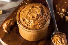 16 Recipes - Vegan Peanut Butter Recipes are tasty treats that can be used in all kinds of meals and snacks. Vegan Peanut Butter, Homemade Peanut Butter, Peanut Butter Recipes, Chocolate Peanut Butter, Nutella, Die Peanuts, Just Eat It, Roasted Peanuts, No Sugar Foods