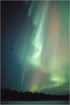 Title: aurora_2001_045  by Jouni Jussila from http://spaceweb.oulu.fi/~jussila/aurora/
