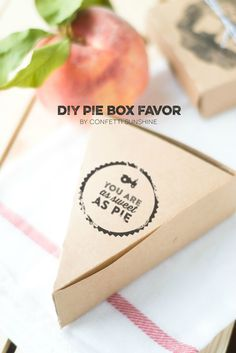 Package up a sweet autumn treat for you friends, neighbors, and family with this lovely DIY Pie Box Favor.  This is a perfect way to send leftover pie home with your Thanksgiving guests!