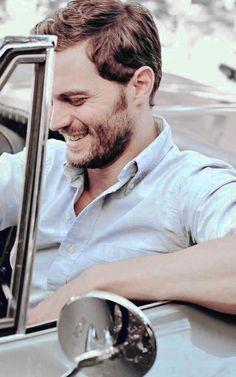 """""""I hate shaving more than anything in the world. It's the biggest bore."""" #JamieDornan"""