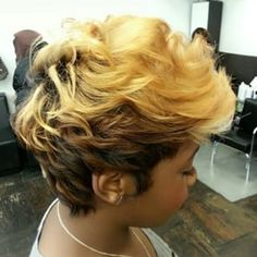 African American Two-Tone Undercut. Stylish Ombre and Bold Haircut for Black Wom… African American Two-Tone Undercut. Stylish Ombre and Bold Haircut for Black Women. See Top 32 Photos Short Relaxed Hairstyles, Funky Hairstyles, Hairstyle Short, Short Sassy Hair, Short Hair Cuts, Pixie Cuts, Short Pixie, Love Hair, Gorgeous Hair