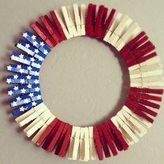 Clothespin Flag Wreath #seniors #crafts #hawa