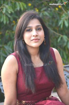 Indian Actress Hot Pics, South Indian Actress Hot, Bollywood Actress Hot Photos, Bollywood Girls, Indian Actresses, Beautiful Girl Indian, Beautiful Indian Actress, Beautiful Actresses, Beauty Full Girl