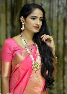 Beauty Full Girl, Beauty Women, Marathi Saree, Nauvari Saree, Fashion Photography Poses, Most Beautiful Indian Actress, Indian Beauty Saree, Saree Dress, Beautiful Saree