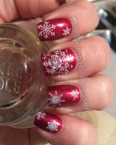 "95 Likes, 3 Comments - Janet 🇺🇸 (@cre8tive_nails_obsession) on Instagram: ""Snow flake nails 💅🏻❄️ #snowflakes #snowflakenails #redandwhitenails #redandwhitenaildesigns…"""