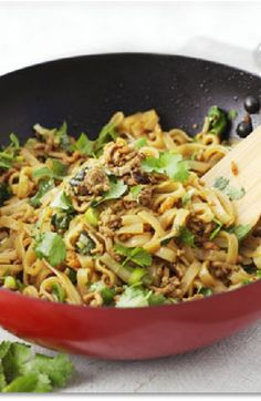 Low FODMAP and Gluten Free Recipe - Minced pork with rice noodles - (updated) http://www.ibssano.com/low_fodmap_recipes_minced_pork_rice_noodles.html
