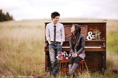 Piano in the Fields Engagement: Sam and Janice - Jenny Sun Photography Blog
