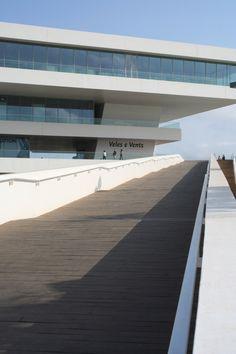 Veles e Vents_progetto di David Chipperfield Architects e lo studio b720 Arquitectos di Barcellona (2007)
