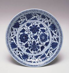 Important Cultural Property. Blue-and-White dish with Peony Scrolls Design, Yuan Dynasty, 14th Century, d.44.5cm. Gift of SUMITOMO Group, the ATAKA Collection. Acc. No. 11264 © 2009 The Museum of Oriental Ceramics, Osaka