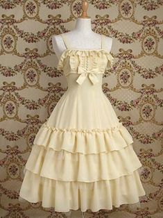 Name:Light Yellow Cotton Classic Lolita Dress Shown Color: Light Yellow Style: Classic & Traditional Fabric: Cotton Sleeve Length: Sleeveless