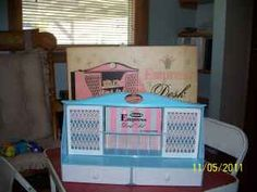 My sister had this. Lots of notecards, pencils and stampers. Loved it!