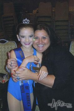 young Brooke Hyland with Abby Lee Miller - Dance Moms Dance Moms Quotes, Dance Moms Funny, Dance Moms Facts, Dance Moms Dancers, Dance Mums, Dance Moms Girls, Dance Moms Videos, Alvin Ailey, Brooke Hyland