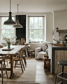 Ideas Farmhouse Style Lighting Chandeliers Dining Tables For 2019 Dining Chandelier, Industrial Chandelier, Industrial Lighting, Bedroom Chandeliers, Interior Lighting, Dining Room Inspiration, Interior Inspiration, Home Decor Accessories, Cheap Home Decor