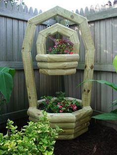 Frischen Sie Ihren Garten auf mit diesen 13 lustigen hölzernen Pflanzkübeln! - DIY Bastelideen