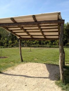 and rustic fence . kind of cool if it was a pergola . - Unsere kleine Farm -Tarp and rustic fence . kind of cool if it was a pergola . - Unsere kleine Farm - Pasture tent 4 x 4 m with stable roof Log Shed Frame . Rustic Pergola, Rustic Fence, Wooden Fence, Wood Pergola, Pergola Carport, Small Pergola, Farm Fence, Rustic Wood, Pergola Designs