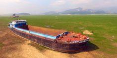 Shocking Photos Show China's Largest Freshwater Lake Is Drying Up Fast