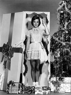 Ретро-актрисы. Рождественские фотографии. Дебби Рейнольдс / Debbie Reynolds