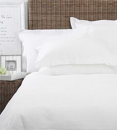 Classic waffle weave cotton duvet set, a versatile favourite. Cotton Percale on the reverse. Available in White. Now available in white NEW Californian King Size! Bedding And Curtain Sets, Best Bedding Sets, King Bedding Sets, Luxury Bedding Sets, Comforter Sets, Bed Sheets Online, Cheap Bed Sheets, Restoration Hardware Bedding, Cotton Duvet