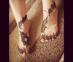 Leg henna Indian Henna Designs, Latest Henna Designs, Floral Henna Designs, Legs Mehndi Design, Bridal Henna Designs, Henna Designs Easy, Mehndi Designs For Fingers, Beautiful Henna Designs, Mehndi Designs For Hands