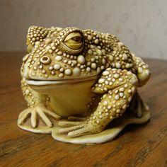 Early Harmony Kingdom Frog Box Large Treasure Jest Awaiting A Kiss | eBay