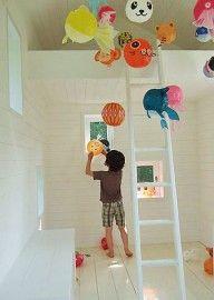 """Japanse Papieren Ballonnen. in hal tussen chinese papieren lampen of aan """"kroonluchter"""", voor de ramen langzalzeleven.com"""