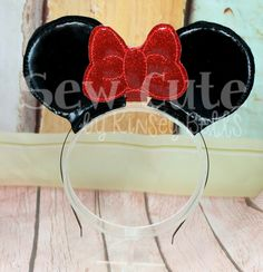 Kinsey Bells sells custom mouse ears, park bags, boutique supplies, felties, oversized felties, lights for bows and more!  We specialize in custom mouse ears, upscale bows,and other OTT creations !Inventor of Perfect Petals singed rose templates!