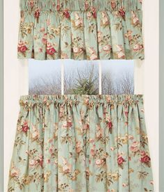 Charmant Laurau0027s Garden Floral Tier Curtains ~ These Look Very Similar To The Ones  In Myu2026