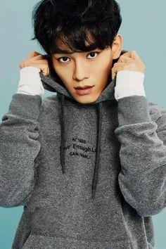 EXO // 엑소 // Kim Jongdae // 김종대 // Chen // 첸