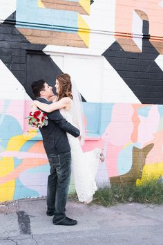 COLORFUL LAS VEGAS ELOPEMENT WITH LUNCH AT IN-N-OUT BURGER