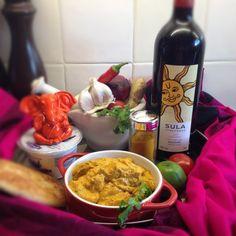 Tikka masala with rice and naan Tiki Masala, Indian Food Recipes, Ethnic Recipes, Time To Eat, Asian, Garam Masala, Hummus, Curry, Yummy Food