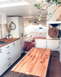 Love looking at DIY caravan makeovers? That's why we've put together a selection of beautiful caravan renovations. Best Caravan, Diy Caravan, Caravan Decor, Retro Caravan, Caravan Living, Caravan Ideas, Caravan Home, Caravan Renovation Diy, Caravan Makeover