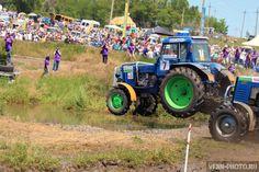 http://venn-photo.ru/gonki-na-traktorakh-bizon-trek-shou-2015