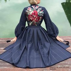 Folk Fashion, Denim Fashion, Races Fashion, Couture Details, Embroidered Clothes, Russian Fashion, Western Dresses, Petite Dresses, Embroidery Dress