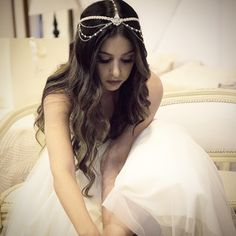 WEBSTA @ graciellastarling - Nossa princesa linda #noivarealgs @yasminbazaan usa  #headCoutureyasmin @graciellastarling ! Inspire-se e seja você no seu grande dia ! #tudomuitostarling #graciellastarling #altachapelaria #bridalhair #bridalhairstyle #headcouture #headcoutureGS