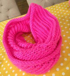 Dikişsiz Boyunluk Yapımı Derya Baykal 19.11.2014 Knitting Videos, Crochet Videos, Knitting Stitches, Knitting Patterns, Crochet Scarves, Knit Crochet, Crochet Girls, Cowl Scarf, Yarn Projects