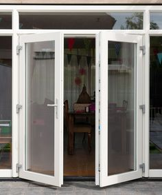 Home Reno, China Cabinet, Ramen, Windows, Doors, Reno Ideas, Living Room, House Styles, Garage